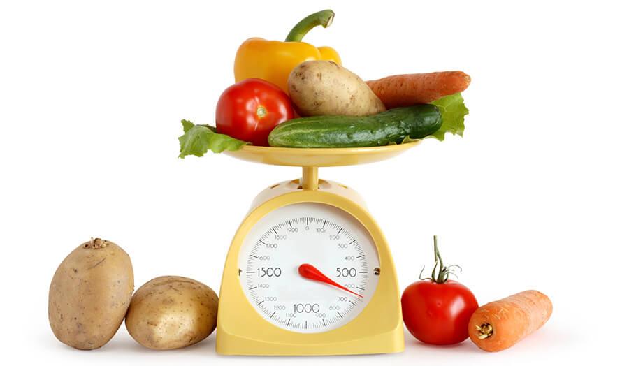 Att väga och mäta varje kalori vi äter under dagens gång är svårt. Inte minst eftersom vi sällan registrerar allt vi stoppar i oss.