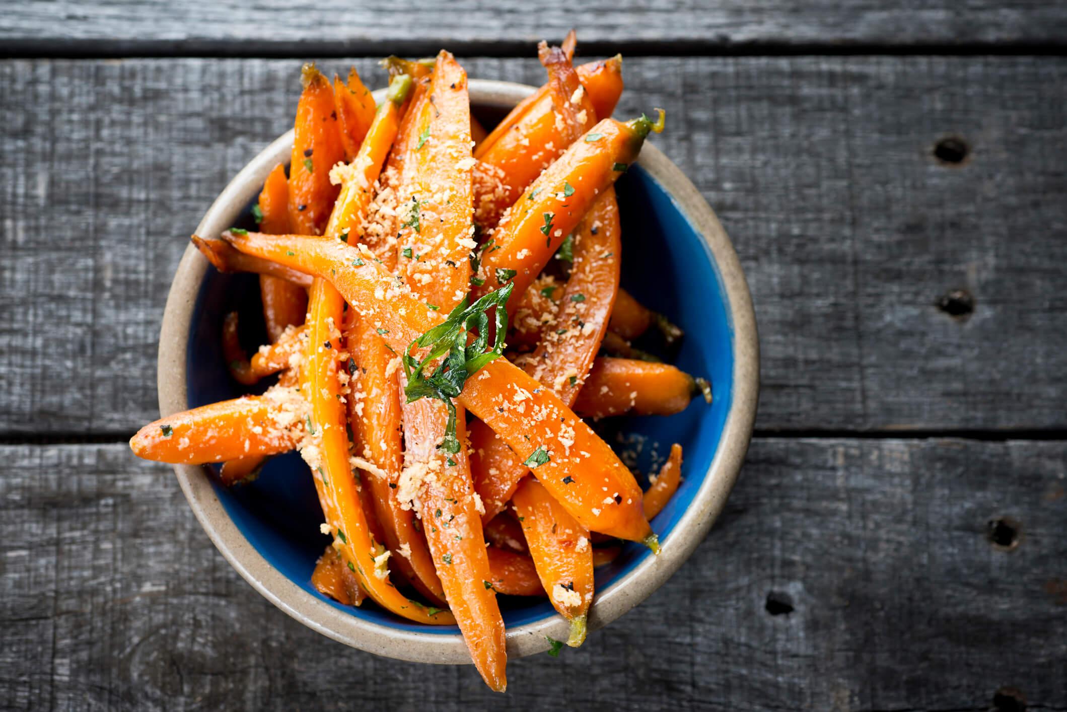 Morötter innehåller betakaroten