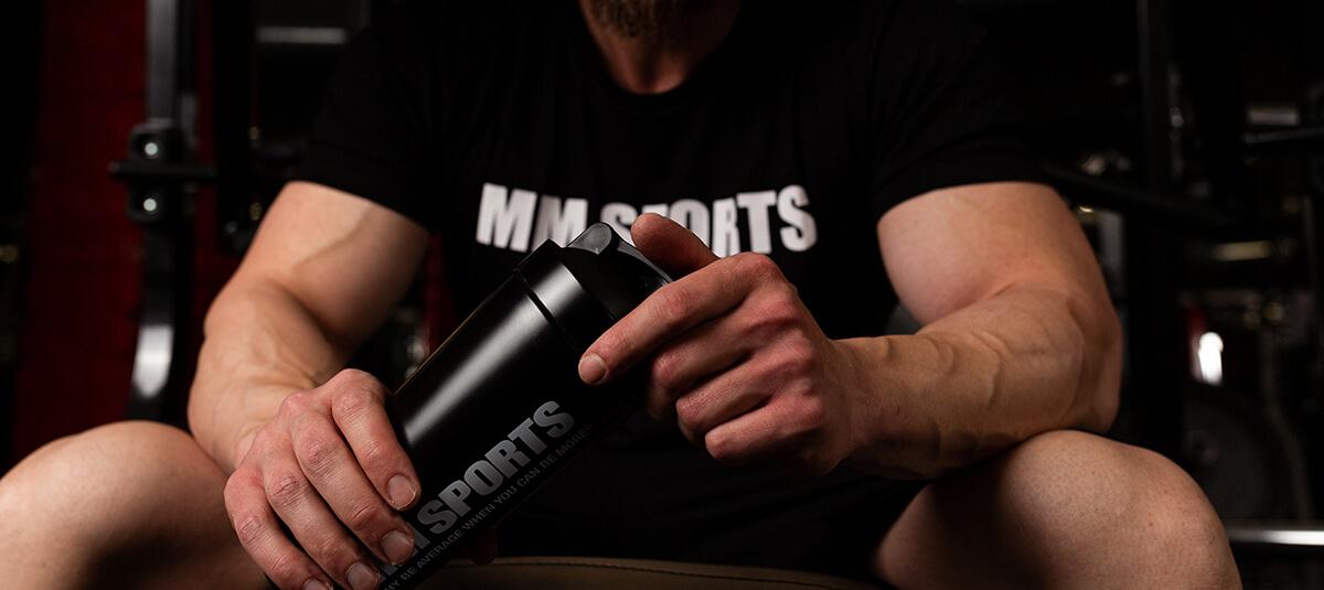 MM Sports T-shirt och Shaker